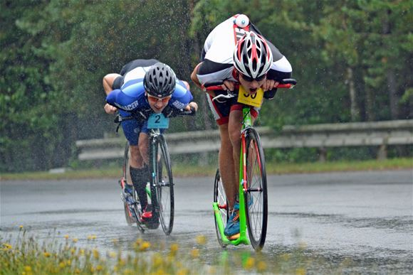 It was raining during the 36 kilometre-long royal race.