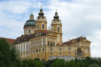 The Baroque Abbey of Melk is the gateway to the picturesque Wachau valley. In 2000 the region became a UNESCO World Heritage Site.