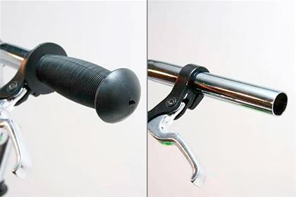 The handles have to be well attached to the bars and should not spin, otherwise there is danger of falling and being injured.