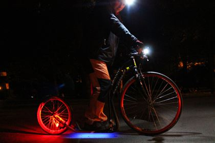 Yedoo team tested various lights during the night ride. The 7 Lux front light perfectly served its purpose, since it combines high performance and low power consumption.